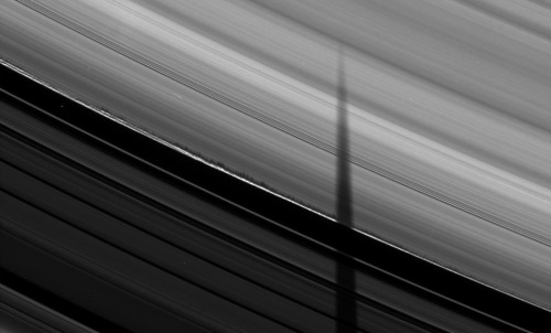 saturn-cool-ring-shadows