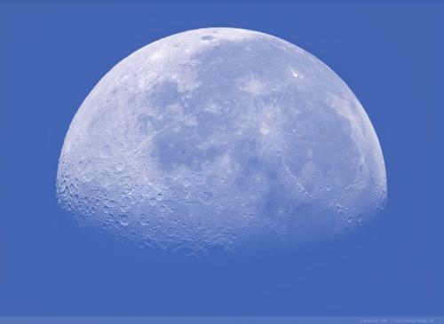 daytime_moon