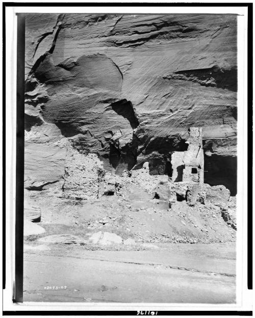 Ruin at Canyondelmuerto